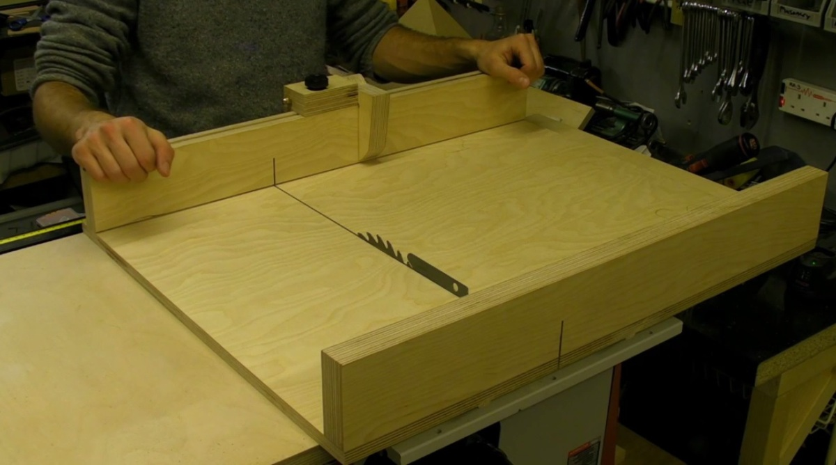 how to cut a perfect mitre guide with handtools