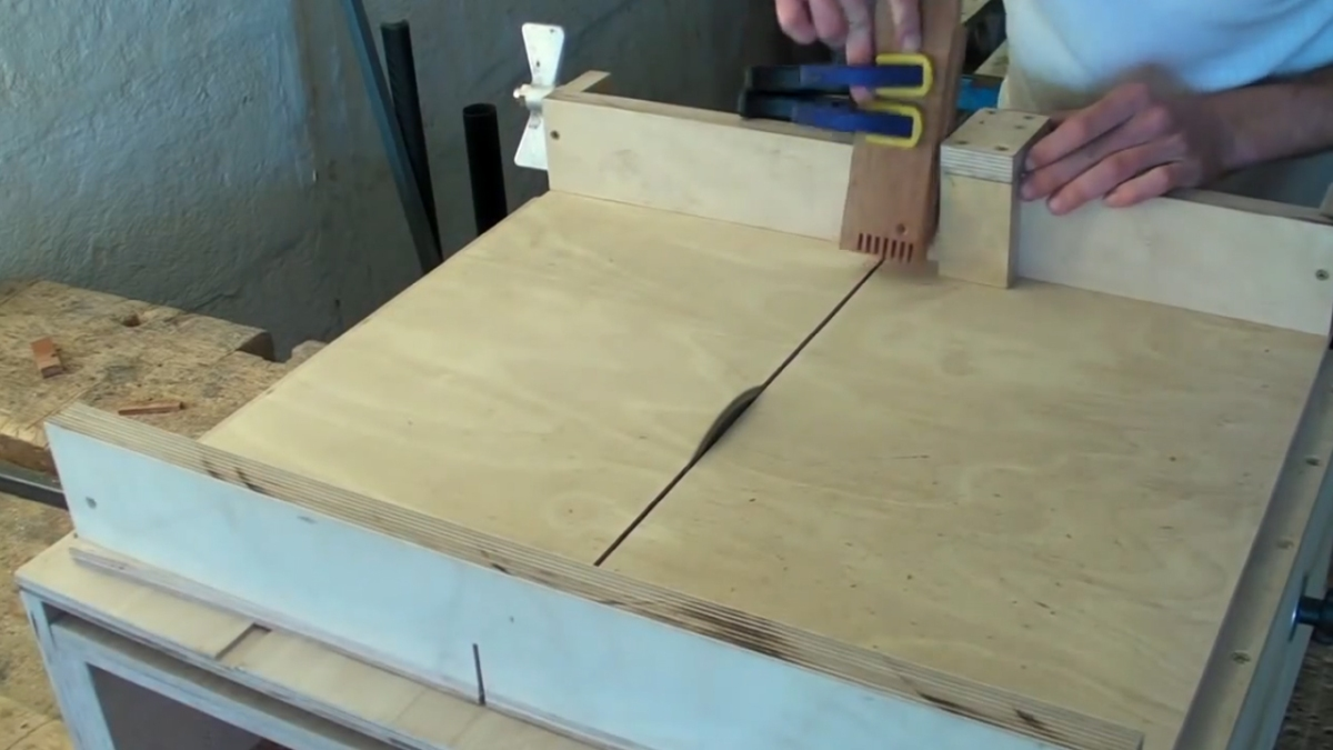 Homemade Table Saw Sledge Part 3 Lead Screw Fence Stop