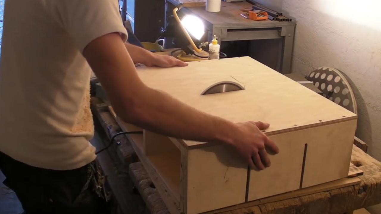 Homemade Table Saw U2013 Part 1 U2013 DIY Motor Mount U0026 Adjustable Bed | Savvas  Papasavva