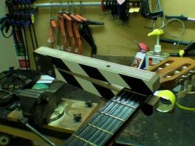 Clapperboard Guitar Cappo